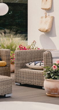 Rent Outdoor furniture in Palo Alto