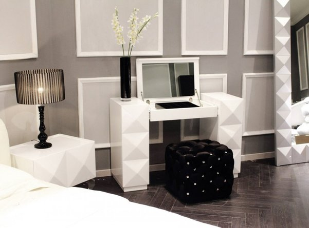 Lacquer Modern Vanity White