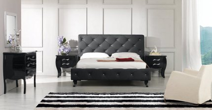 Monte Carlo Modern Queen Bed Black