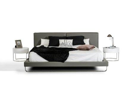 Ramona Eastern King Bed Gray
