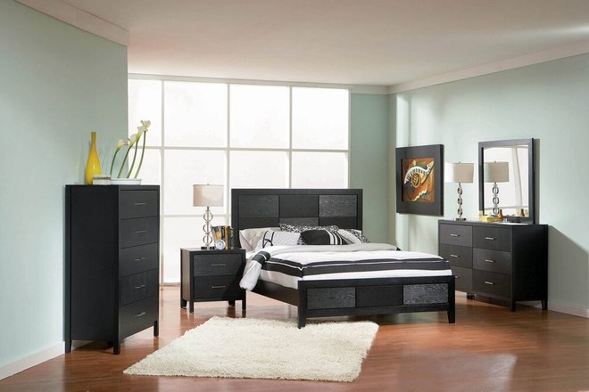 Grove Eastern King Bed Black