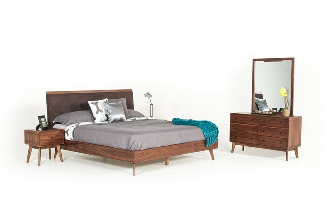 Marshall Eastern King Bed Brown