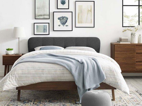 Jorsie Queen Bedroom