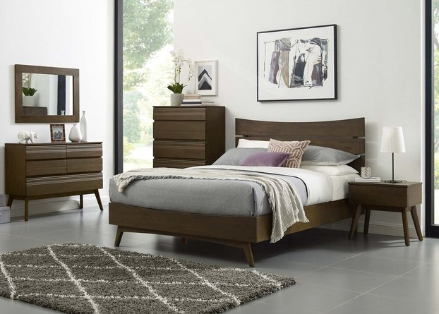 Everly Queen Bed Walnut
