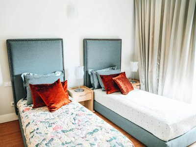Nao Two-Twin Bedroom