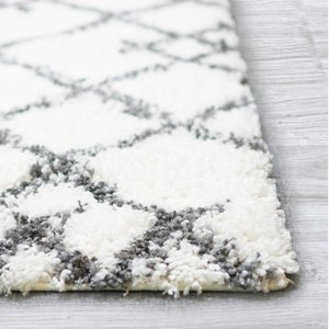 Melaine Geometric Shag Area Rug (8' X 10') In White