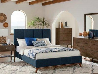 Johny Queen Bedroom